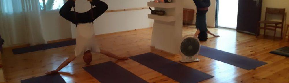 יוגה בצפת יוגה בראש פינה יוגה אווירית יוגה ערסלים
